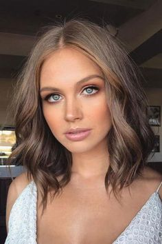 13 Fresh Hair Colors to Show Your Stylist This Spring 2018 Spring Hair Color: Cool, Earth-Toned Brunette - Station Of Colored Hairs Spring Hairstyles, Cool Hairstyles, Natural Hairstyles, Beach Hairstyles, Hairstyle Men, Formal Hairstyles, Short Brown Hairstyles, Hairstyle Ideas, Bob Hairstyles Brunette