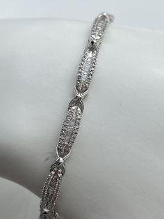 Bracelet en or blanc et diamants Bracelets, Tennis, Jewelry, Fashion, White Gold, Moda, Jewlery, Jewerly, Fashion Styles