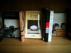 Afinidades Electivas...    Un día cualquiera en una librería cualquiera, tres estupendo libros entablan conversación... One Day, Libros