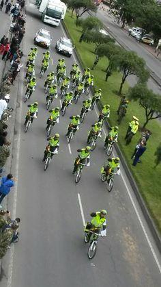 Policía de turismo en el desfile del #20DeJulio #SomosColombia