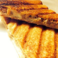 会社でさっと作って晩御飯。久しぶりに食べたら旨い。 - 138件のもぐもぐ - ツナメルトサンド Tuna melt sandwich by humongousfungus
