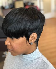 Creative ideas regarding awesome looking women's hair. Your hair is undoubtedly exactly what can certainly define you as a man or woman. To several people today it is vital to have a good hair style. Hair and beauty. Short Black Hairstyles, Girl Hairstyles, Short Haircuts, Curly Hair Styles, Natural Hair Styles, Pixie Styles, Short Pixie, Short Cuts, Pixie Cuts
