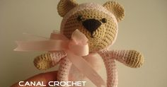 Nice and useful tissue or crochet amigurumi rattle, a perfect baby gift. The rattle teddy together with teddy bib , would be the perfect complement to give to a newborn baby or months. Video tutorial for this in amigurumi teddy rattle available. Crochet Baby Toys, Crochet Teddy, Crochet Bear, Crochet Gifts, Crochet Patterns Amigurumi, Crochet Animals, Crochet For Kids, Crochet Dolls, Baby Knitting