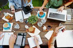 2015-03-02 - Online Företagarens Marknadsföringsutmaning är en online utmaning/kurs som är riktad till företagare som vill ha hjälp med sin online marknadsföring. Under kursen så får du tillgång till arbetsmaterial samt personlig hjälp med ditt företag. 2 stycken mastermind samtal där vi diskuterar marknadsföring ingår. Du får även möjlighet till fortsatt stöd efter kursens slut.