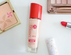 Full Coverage Foundation for Pale Skin (On a Budget) | Rimmel Lasting Finish 25 Hour Foundation in Light Porcelain