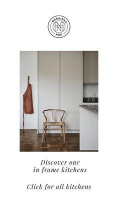 Nordiska Kök - Nordic minimalist in frame kitchen with limestone countertop. A minimalist kitchen in a light grey tone.#nordiskakok #kök #köksinspiration #kitcheninspo #nordicdesign #scandinaviandesign #kitchen #greykitchen #gråttkök #kitchendesign #bespokekitchen #minimalist #nordichome #scandinavianhome #interiordesign #interiors #interior #architecture #interiorarchitecture #homedecor #köksinspo  #køkken #interieur #köksinspiration #limestone Limestone Countertops, Diy Concrete Countertops, Nordic Home, Scandinavian Home, Country Look, Interior Architecture, Interior Design, Minimalist Kitchen, Nordic Design