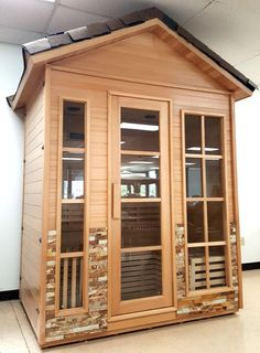 Deluxe Outdoor Canadian Hemlock Wet / Dry Swedish Sauna SPA Features / Specifications: - 100% Factory Sealed, NEW IN BOX (NOT Refurbished) - Canadian Hemlock Wood - Large 4 Person Size (Easily fits 3
