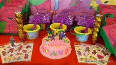 Barney and Friends Birthday    http://www.chicsassymom.com/2012/03/shakeys-barney-birthday.html