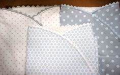 Regalo a un recien nacido: arrullo de bebé - Sewing Projects For Kids, Sewing For Kids, Baby Lullabies, Baby Boy Bibs, Quilted Gifts, Bebe Baby, Kids Patterns, Baby Needs, Newborn Pictures