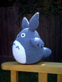 Blue Totoro Amigurumi Crochet pattern by Lucy Collin Crochet Totoro, Crochet Pokemon, Crochet Amigurumi, Amigurumi Patterns, Crochet Dolls, Knitting Patterns, Yarn Projects, Knitting Projects, Crafts