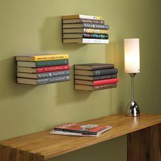 Zwevende boekenplank als muurdecoratie van Miron Lior