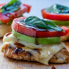 Melty California Grilled Avocado Chicken for Clean Eating! – Clean Food Crush Melty California Grilled Avocado Chicken for Clean Eating! Clean Eating Recipes For Dinner, Clean Recipes, Clean Eating Snacks, Low Carb Recipes, Cooking Recipes, Healthy Recipes, Healthy Eating, Clean Foods, Clean Food Diet