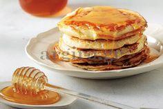 Εύκολα, γρήγορα, τέλεια pancakes.Φτιάξτε τα τώρα και περιχύστε με σοκολάτα ,μέλι ,φρούτα μαρμελάδα ή ό,τι σας αρέσει. Μοναδική συνταγή.