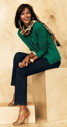 Style Cue: Denim in deep indigo & a chic blazer in rich jade glams up weekly chic. #SoLifting #WildAbout30 #chicos