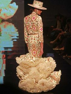 Spanish Dress, Spanish Dancer, Flamenco Dancers, Flamenco Dresses, Anniversary Dress, Mexico Fashion, Flamingo Dress, Spanish Fashion, Haute Couture Fashion