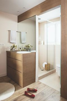 dyi bathroom remodel is definitely important for your home. Whether you pick the remodel a bathroom or bathroom remodel beadboard, you will create the best bathroom ideas remodel for your own life. Bedroom With Bath, Home Bedroom, Bad Inspiration, Bathroom Inspiration, Rustic Bathrooms, Small Bathroom, Dyi Bathroom, Hidden Closet, Casa Clean
