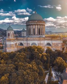 """#𝐈𝐆_𝐇𝐔𝐍𝐆𝐀𝐑𝐘 ® 🇭🇺 𝐁𝐮𝐝𝐚𝐩𝐞𝐬𝐭 on Instagram: """"Esztergom 📷 IG OF THE DAY ❤️ by @issa_drone_vibe_  LOCATION 🇭🇺 Hungary . . SELECTED BY  @bartaag  ADMIN  @bartaag @aron_felszeghy @balko99…"""""""
