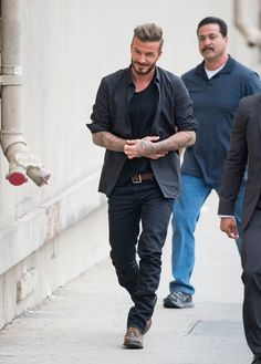 Photo of A Button-Down and T-Shirt Combo David Beckham Family, David Beckham Style, Bend It Like Beckham, David And Victoria Beckham, Fashion Over 40, Mens Clothing Styles, Sexy Men, Men Casual, Mens Fashion