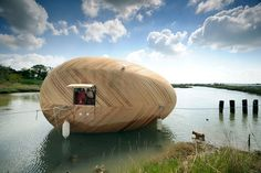 "Developed as a studio space and individual experiment in minimal life by artist Stephen Turner, the ""Exbury Egg"" is a floating house and studio space primarily Floating Eggs, Floating House, A As Architecture, Floating Architecture, Into The Wild, Minimal Living, Micro House, Unusual Homes, Artist Life"