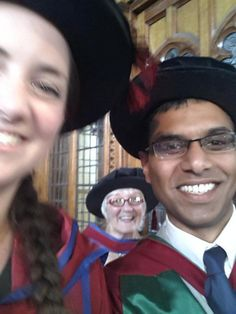 #UoMGraduation #salcgrad selfie and photobomb in one with @RachClements and our colleague Dr Ann Featherstone. pic.twitter.com/oQHz6Q7eQa