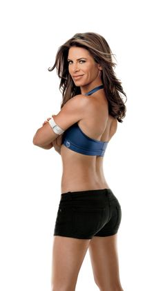 Jillian Michaels, a recent BodyMedia partner, showing off her FIT armband