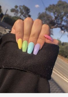 In seek out some nail designs and ideas for your nails? Listed here is our set of must-try coffin acrylic nails for stylish women. Cute Spring Nails, Spring Nail Art, Summer Acrylic Nails, Nail Designs Spring, Cute Acrylic Nails, Summer Nails, Cute Nails, Pretty Nails, Nail Art Designs