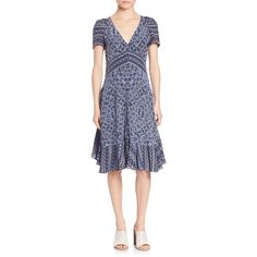 Rebecca Taylor Short Sleeve Paisley Dress (660 BRL) ❤ liked on Polyvore featuring dresses, apparel & accessories, blue smoke, blue silk dress, fit and flare dress, short-sleeve dresses, v neck dress and blue v neck dress