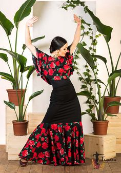 Flamenco Costume, Flamenco Skirt, Flamenco Dancers, Santa Fe Style, Spanish Fashion, Edwardian Era, Present Day, Fashion Beauty, High Waisted Skirt