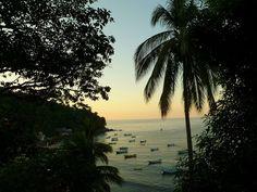 """Cerca de Puerto Vallarta se encuentra un lugar paradisiaco, Yelapa que significa """"Lugar donde se juntan o se encharcan las aguas"""". #aventón"""