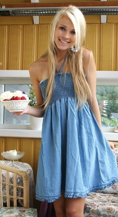 Emilie Nereng - blue dress