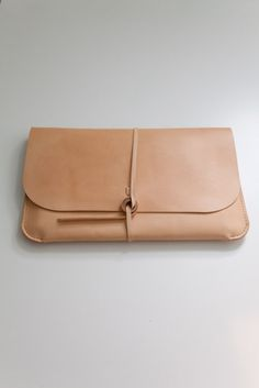 ipad case :: this is the kind of leather that tans