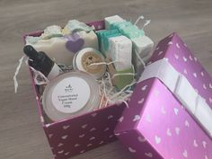 Stress Relief Spa Gift Set For Women, Girls, Moms Werdding Gift Birthday Gift Anniversary Gift Nurse Gift Homemade Anniversary Gifts, One Year Anniversary Gifts, Anniversary Ideas, Wedding Anniversary, Banner Sample, Soap For Sensitive Skin, Cheer Up Gifts, Face Cream For Wrinkles, Get Well Gifts