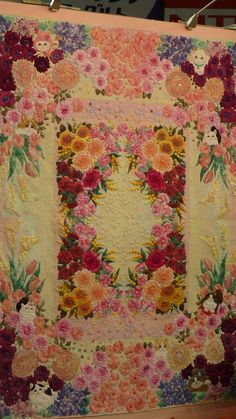 2014 International Tokyo Quilt Show  --  Wow! Love the colors and design. Makes me feel like I'm in Hawaii instead of where I'm at with it snowing outside!