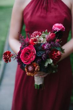 red and purple autumn bridesmaid bouquet and flowers