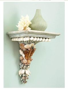 40 Sea Shell Art and Crafts Adding Charming Accents to Interior Decorating sea shell crafts, furniture decoration and decor accessories adorned with seashells Sea Crafts, Diy And Crafts, Arts And Crafts, Baby Crafts, Seashell Art, Seashell Crafts, Seashell Decorations, Starfish, Creation Deco