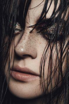 studded-hearts-dark-smoky-glitter-eyes-freckles