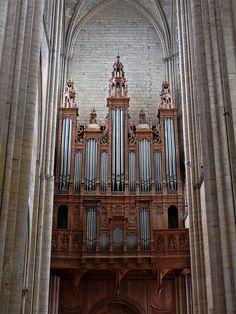 Le Mans, Cathédrale Saint-Julien Grand orgue 65 jeux, 4 claviers / Pédalier Bert (1531), De Héman (1651), Claude Frères (1833), Abbé Tronchet (1913), Beuchet-Debierre & Danion-Gonzalez (1974)