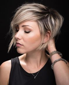 10 Latest Pixie Haircut Designs for Women – Super-stylish Makeovers Take a look at these trendy makeovers, showcasing the latest pixie haircut designs for women of all ages! I challenge anyone to browse through . Short Hair Styles For Round Faces, Short Hair With Layers, Hairstyles For Round Faces, Long Hair Styles, Long Faces, Short Hair Cuts For Women Edgy, Pixie Haircut For Round Faces, Color On Short Hair, Short Layer Cut
