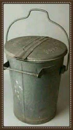 Ouderwetse vuilnisemmer