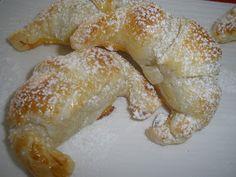 .: Mini croissants rellenos de almendra