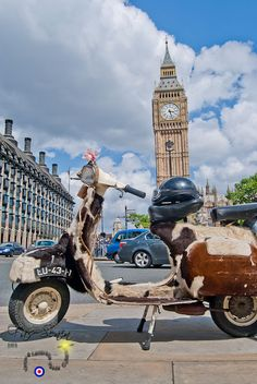 fur covered scooter Del Far-West #England