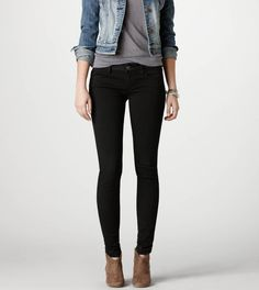 I really need some black jeggings that are X-long! These are awesome for formal and casual, like thick leggings. Casual Outfits, Cute Outfits, Fashion Outfits, Fall Winter Outfits, Autumn Winter Fashion, Black Skinnies, Black Jeans, Outfits Pantalon Negro, Estilo Jeans