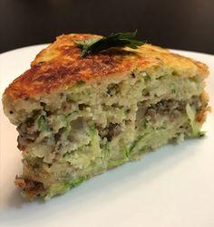 Venha aprender a fazer esta receita fácil de torta sem glúten de abobrinha e carne moída!