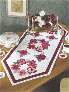 Quilting - Kitchen Patterns - Runner & Topper Patterns - Sweetheart Wreath Table Runner & Coasters