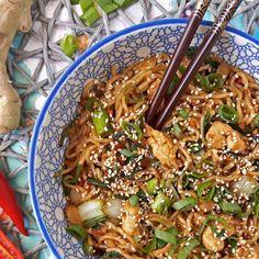 Recept voor sesam gember noodles met kip & paksoi / sesam ginger noodles with chicken & bok choi - Het keukentje van Syts