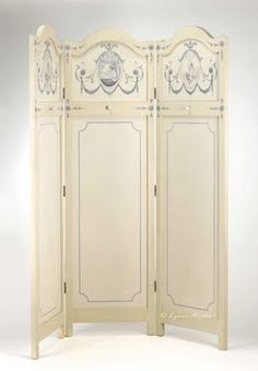 I've always wanted a little dressing screen! Folding Screen Room Divider, Panel Room Divider, Folding Screens, Room Dividers, Victorian Room Divider, Changing Screen, Dressing Screen, Dressing Room, Decorative Screens