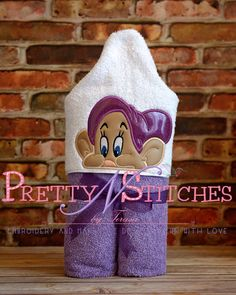 5X7 Goofie Dwarf Peeker Applique Embroidery Design  by PrettyNStitches, $4.65 USD