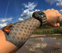 Fleur de Vie tattoo ideas – The geometric pattern that makes the Go Fleur de Vie Tattoo-Ideen – Das geometrische Muster, das das Go … Trendy Tattoos, Sexy Tattoos, Body Art Tattoos, Sleeve Tattoos, Tattoos For Guys, Cool Tattoos, Maori Tattoos, Gorgeous Tattoos, Tatoos