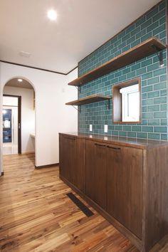 山形|高気密高断熱住宅|ログハウス・コテージ風の木の家|ハウスメーカー|木香の家|珪藻土壁とタイルが美しい レトロモダンな家
