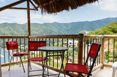 Cabañas located at the entrance to Taganga, Annapurna has 3 fully equipped apartments with sea views, excellent security, social areas, each with its fully independent private space surrounded by gardens.
